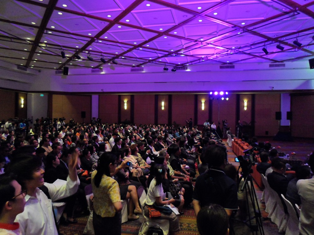Nothing like star power to bring in the crowds. This was the turnout at the domestic tourism marketing presentation.