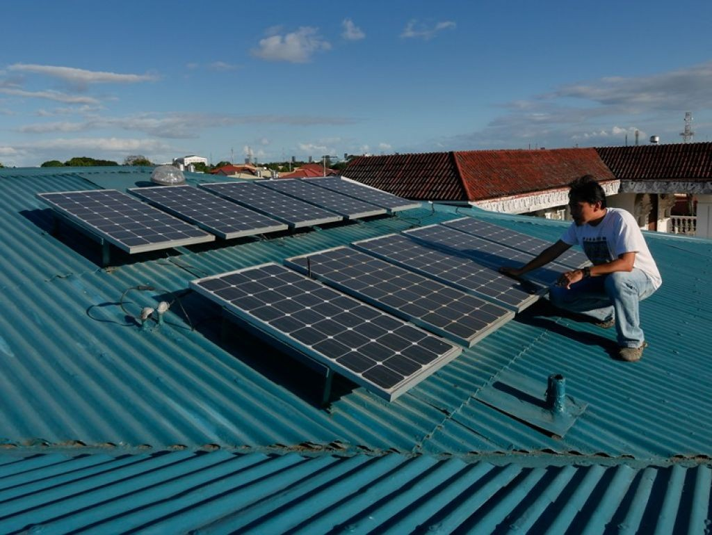 Rooftop solar systems will help the Indian government expand energy access using renewable energy.